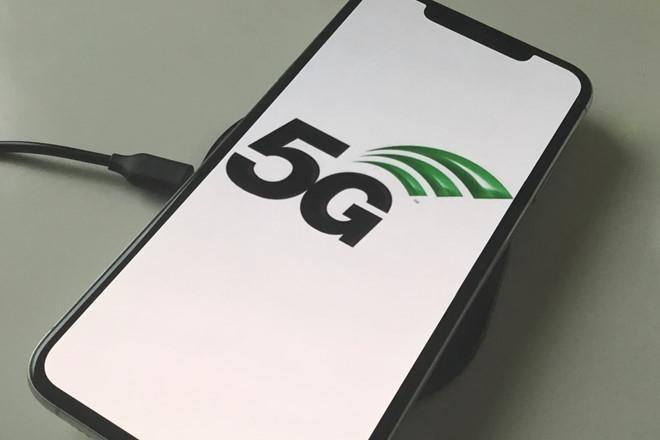 Neu Apple tu lam 5G, 6 nam nua iFan moi duoc dung hinh anh 1