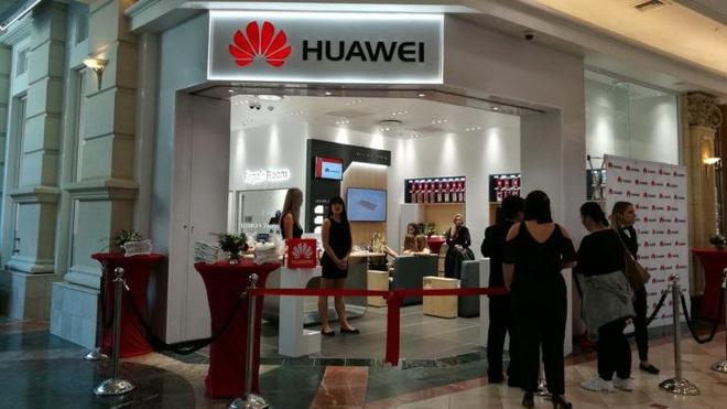 Khach hang chau A bat dau quay lung voi Huawei hinh anh 2