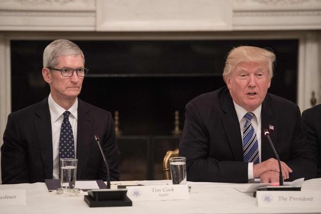 Tim Cook: 'Trung Quốc thiệt hại nặng nhất nếu áp thuế iPhone'