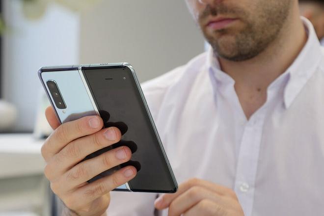 Galaxy S và Note sẽ nhập làm một, thành Galaxy One?