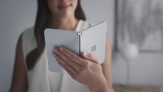 Khong phai tablet, smartphone man hinh gap se thay the laptop hinh anh 1