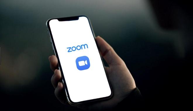 Zoom am tham trao du lieu nguoi dung cho Facebook gay tranh cai hinh anh 1 Zoom_ios_App_privacy_issue.jpg