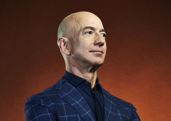 Jeff Bezos co hon 200 ty USD anh 1