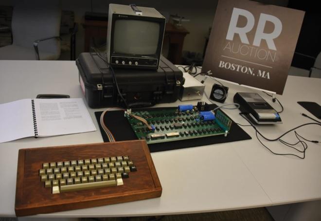 ban ve may tinh Apple II anh 2