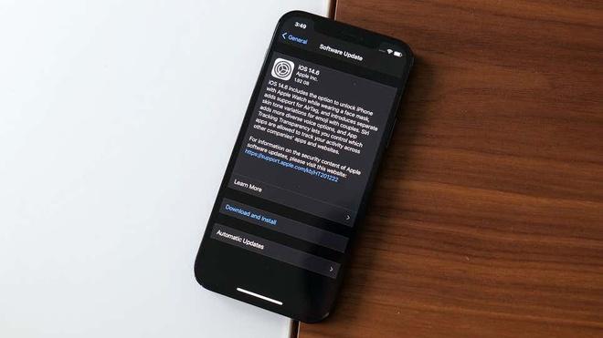 iOS 14.6 sua loi giam hieu nang iPhone anh 1