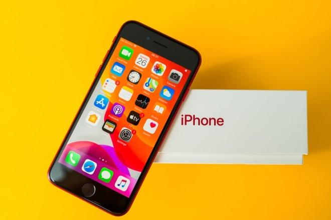 Apple tiep tuc duy tri iPhone SE anh 1