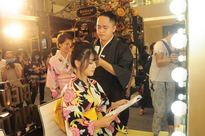 Hoang Yen Chibi dep diu dang trong trang phuc kimono hinh anh 4