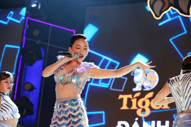 Sao Viet don giao thua cung hang chuc nghin khan gia 'Tiger Remix' hinh anh 2 1.2..JPG