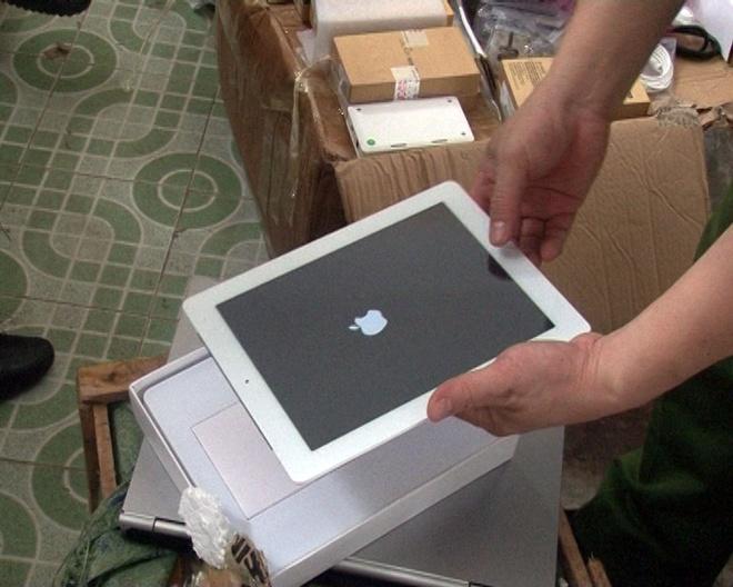 Hang tram dong ho, iPad va laptop lau trong kien vai hinh anh 1