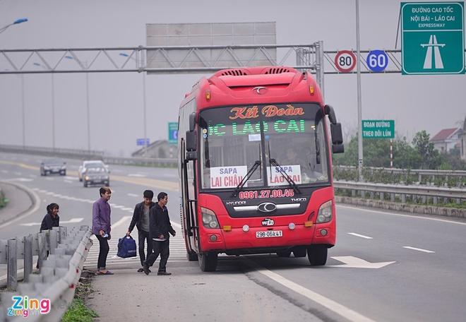 Phat nguoi vi pham tren cao toc Noi Bai - Lao Cai tu 3/11 hinh anh 1