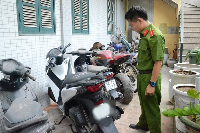 Nhom 9X vung dao cuop xe may tren quoc lo sa luoi hinh anh