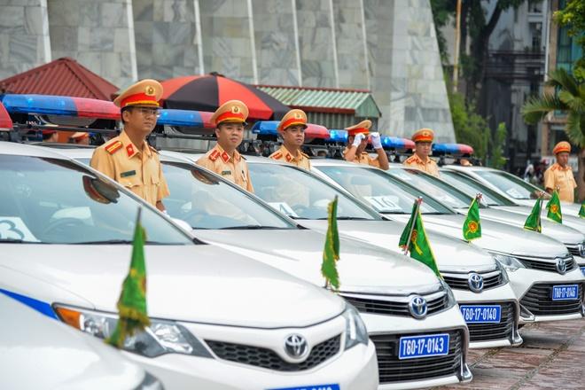 Dan xe dac chung CSGT xuat quan phuc vu APEC 2017 hinh anh 2