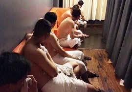 Chu tiem massage dieu trai tre, ngoai hinh dep di ban dam 6 trieu dong hinh anh