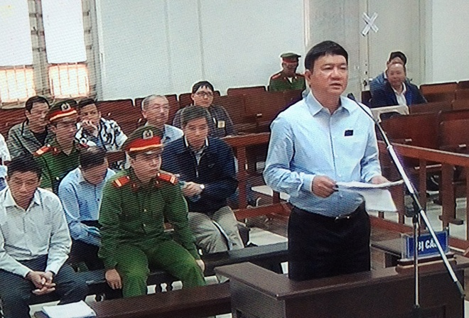 Dinh La Thang tu bao chua cho ban than: 'Bi cao khong up mo gi ca' hinh anh 1