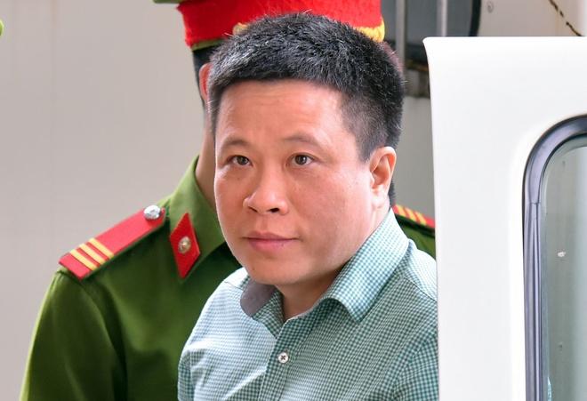 Ha Van Tham xin dua het co phieu, tai san niem phong khac phuc hau qua hinh anh