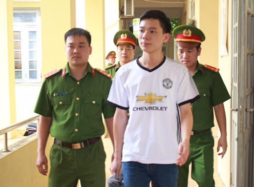 Bac si Hoang Cong Luong anh 2