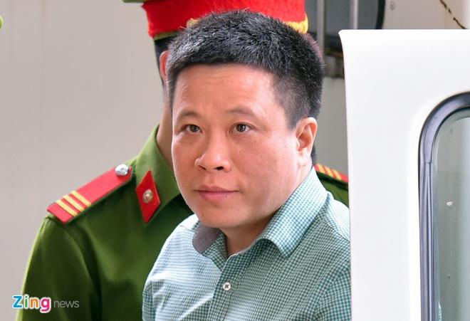 Ha Van Tham xin dua het co phieu, tai san niem phong khac phuc hau qua hinh anh 2
