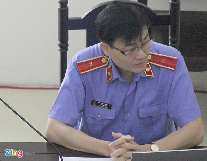 Dinh La Thang xin thay doi toi danh khi noi loi sau cung hinh anh 2