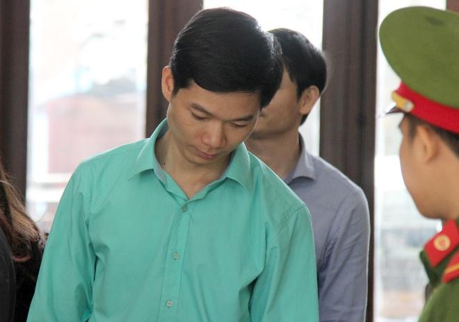 Bo Y te mong toa tuyen bac si Hoang Cong Luong vo toi hinh anh 3
