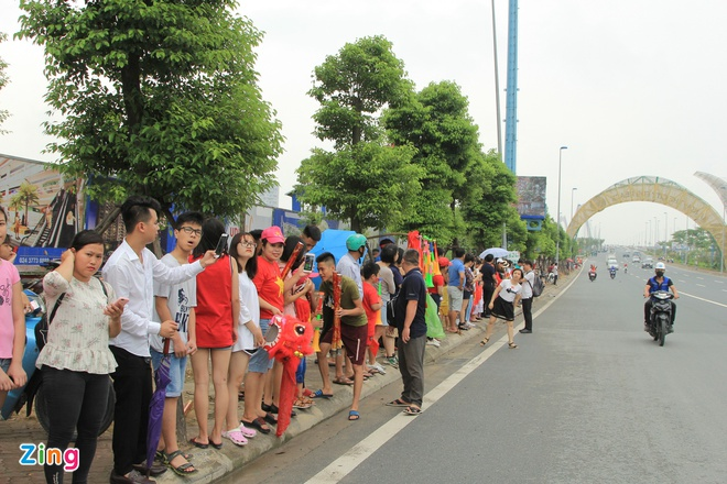 Nhieu nguoi that vong khi khong gap duoc tuyen Olympic Viet Nam hinh anh 1