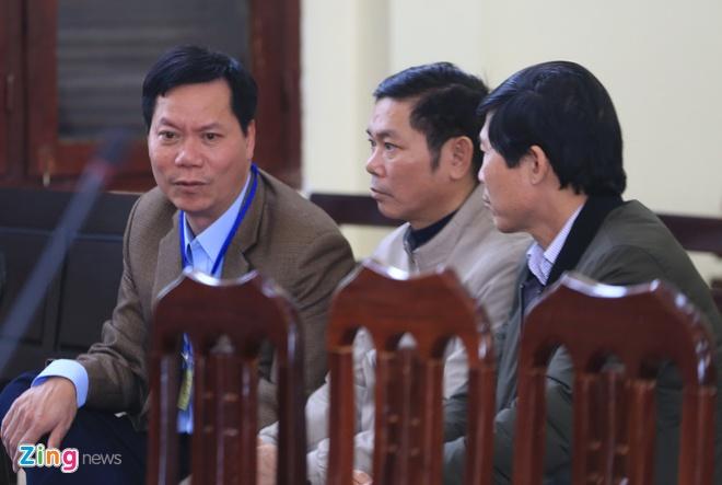 Cuu giam doc Benh vien da khoa Hoa Binh: 'Bi cao xin duoc noi tu dau' hinh anh 2