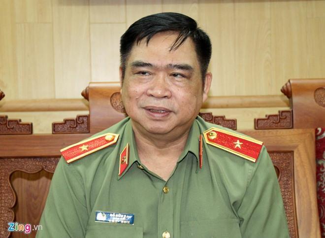 Tuong cong an phu nhan quen ke sam so co gai trong thang may hinh anh 1