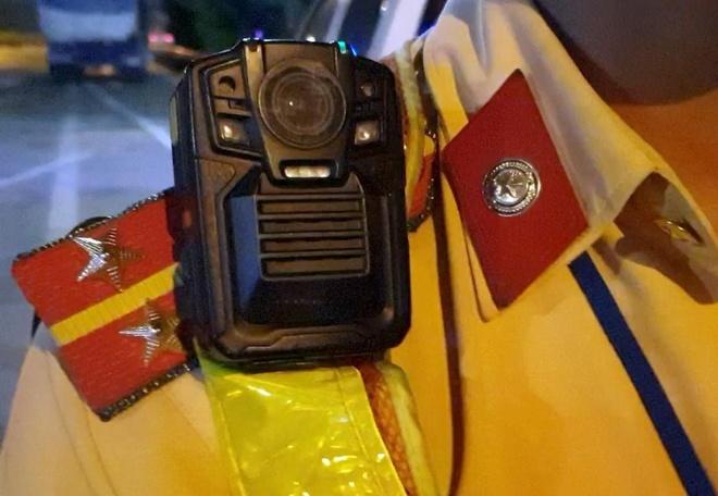 Camera giam sat trang bi cho CSGT co gi dac biet? hinh anh