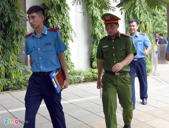 Vi sao ba Nguyen Bich Quy don tre Gateway bi bat tam giam 3 thang? hinh anh 2
