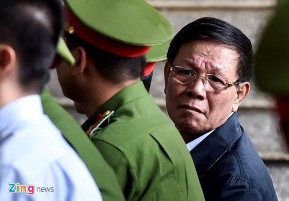Ông Phan Văn Vĩnh tiếp tục bị khởi tố liên quan vụ án buôn lậu
