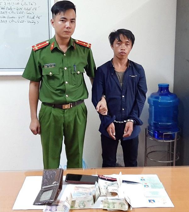Hang chuc canh sat vay bat nghi pham cuong sat vo hinh anh 1