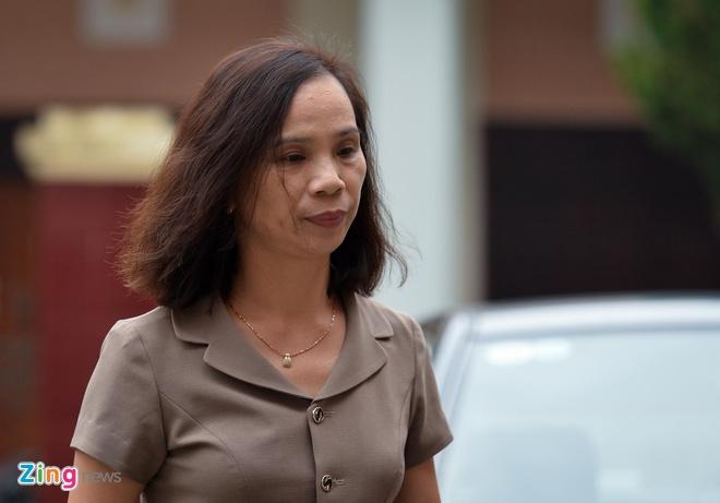 Nữ bị cáo Triệu Thị Chính vụ gian lận điểm thi ở Hà Giang khóc lóc chối tội