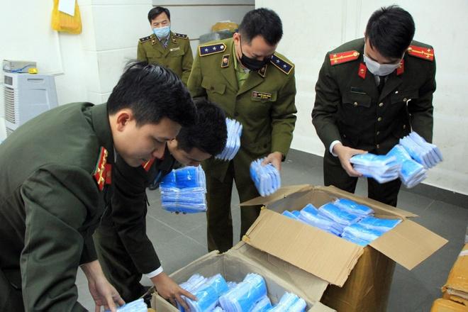 Co gai thu mua 120.000 khau trang mang ra nuoc ngoai ban hinh anh 1 yt.jpg