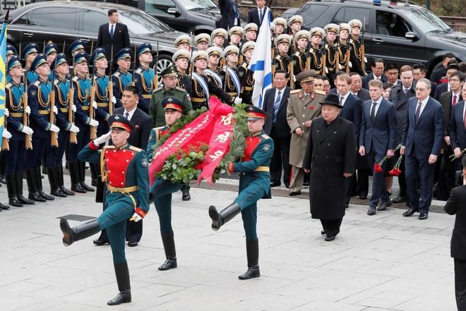 Ong Kim Jong Un ghe nha hang dac biet o Nga truoc khi len tau ve nuoc hinh anh 2