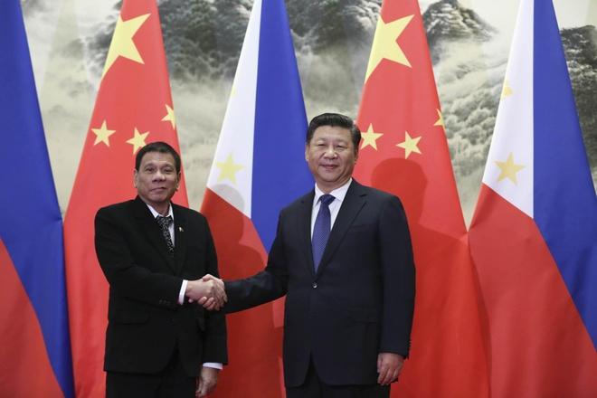 TT Duterte bat ngo tham TQ giua cang thang ve Bien Dong hinh anh 1