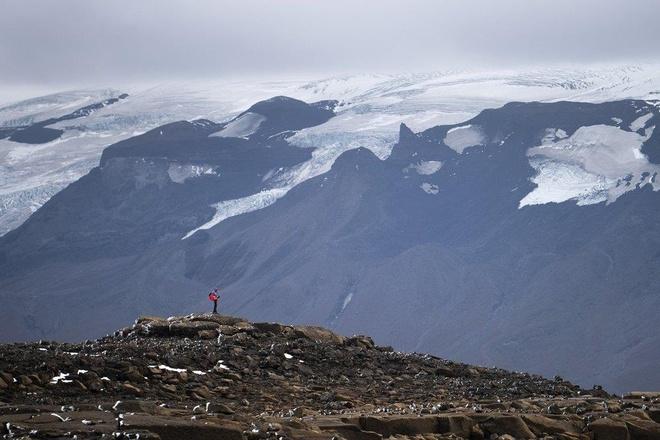 Iceland làm 'tang lễ' cho dòng sông vì thương tiếc băng bị tan chảy