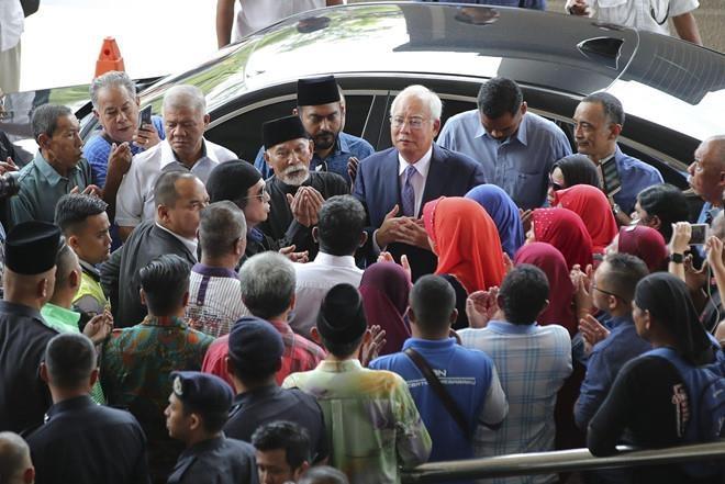 Cuu thu tuong Malaysia hau toa lan hai vi cao buoc bien thu quy 1MDB hinh anh 2