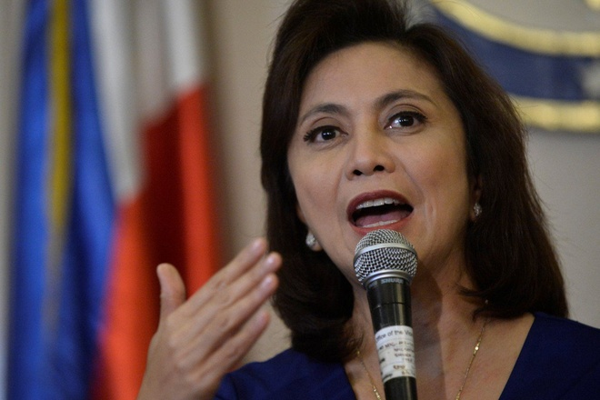 Pho TT Philippines chi trich Duterte vi dinh bo phan quyet Bien Dong hinh anh 1
