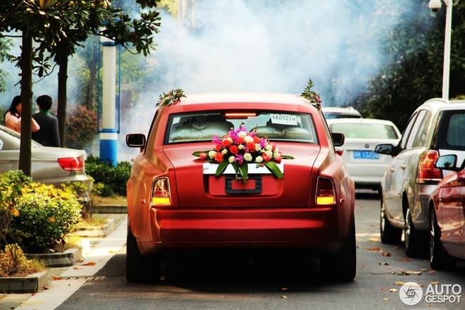 Rolls-Royce va Maybach cung mau lam xe hoa hinh anh