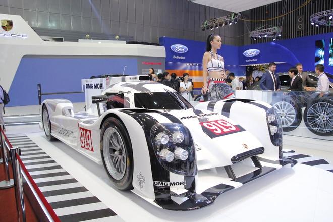 Sieu xe dua Porsche 919 hybrid gay an tuong manh tai VN hinh anh