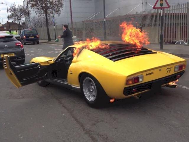 Lamborghini Miura boc chay du doi hinh anh
