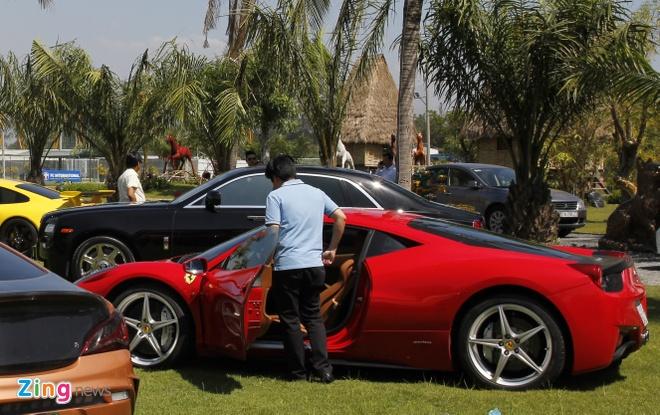 4 thieu gia Viet me Ferrari hinh anh 2