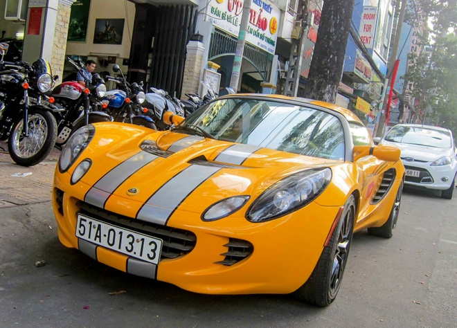 Xe the thao hang doc Lotus Elise S2 bien cap o Sai Gon hinh anh 5
