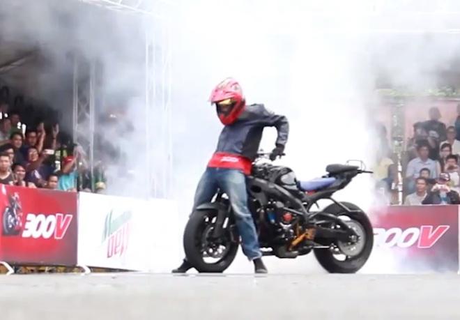 Ba tay dua hang dau the gioi trinh dien stunt tai TP HCM hinh anh