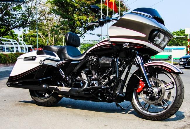 Harley-Davidson Road Glide dac biet gia 1 ty ve Viet Nam hinh anh