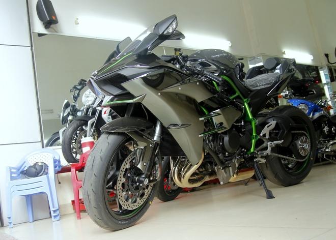 Sieu moto Kawasaki Ninja H2 dau tien ve Viet Nam hinh anh
