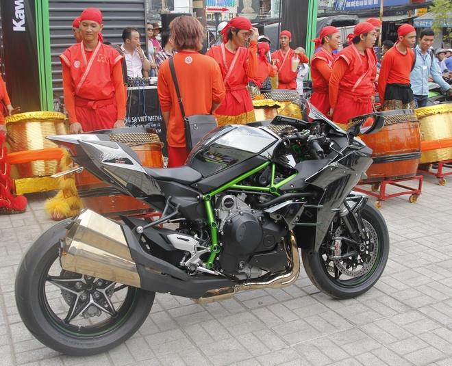 Kawasaki H2 chinh hang re hon xe nhap ngoai 70 trieu dong hinh anh