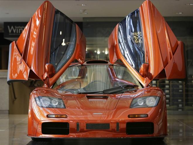Sieu xe McLaren F1 duoc de gia 15 trieu USD hinh anh