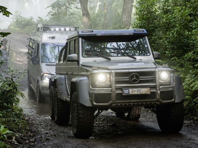 Dan xe Mercedes khung trong phim bom tan Jurassic World hinh anh
