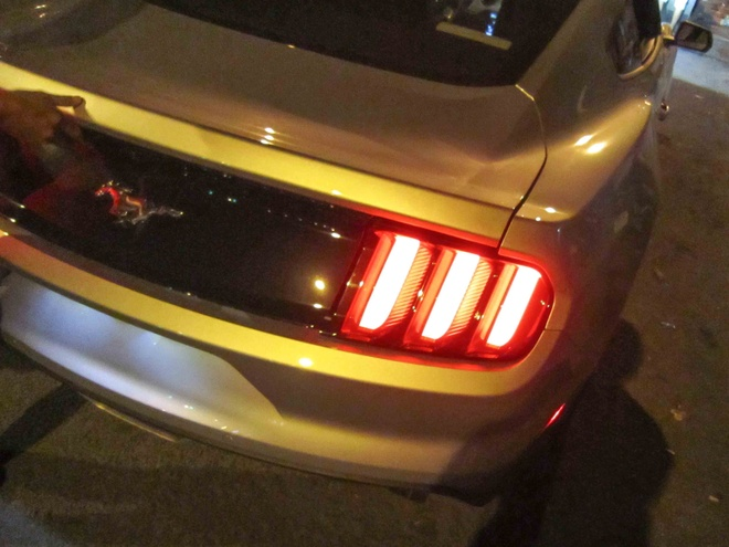 Nghe thu tieng po Ford Mustang tai Sai Gon hinh anh