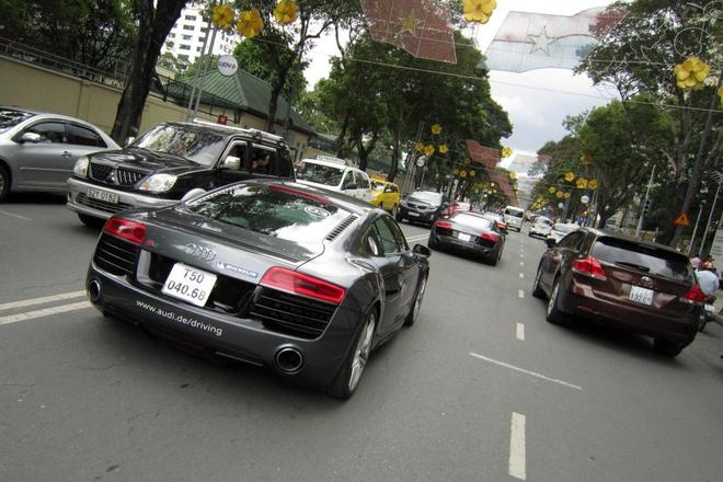 Dan sieu xe Audi R8 khuay dong duong pho Sai Gon hinh anh